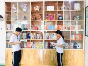 Hanoi Linkの図書館にて